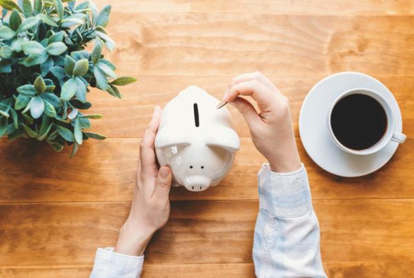 Woman-with-Piggy-Bank